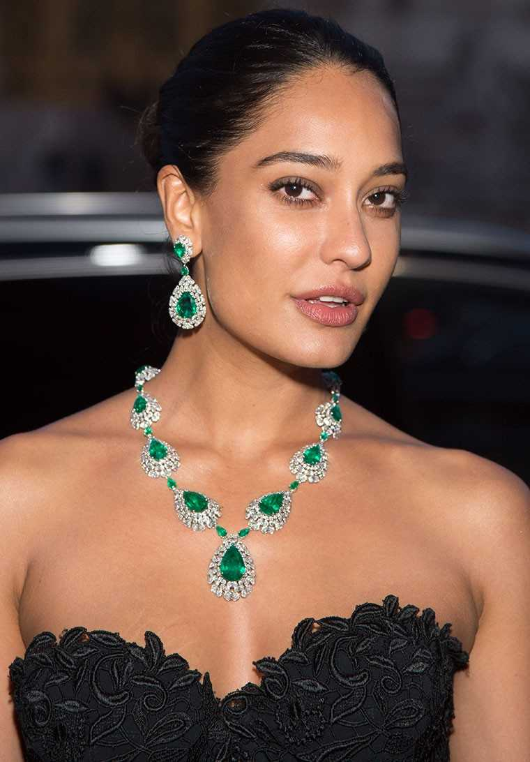 Platinum Emerald Earrings Buying Guide